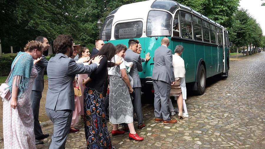 Dubbeldekker trouwvervoer